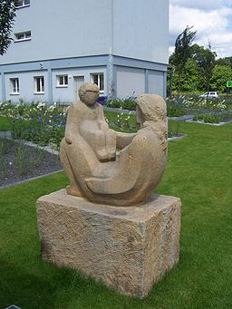 Hoyerswerda Einsteinstraße - Mutter und Kind - 2