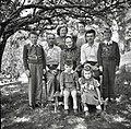 Hudajužnova družina (s staro materjo in bratom), Gorenji Novaki 1954.jpg
