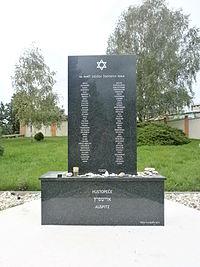 Hustopece Jewish Cemetery 6.JPG