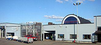 Ivalo Airport - Image: Ivalon lentoasema kesällä