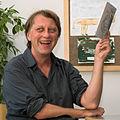 Jáchym Topol s knihou 2010-09-22 a.jpg