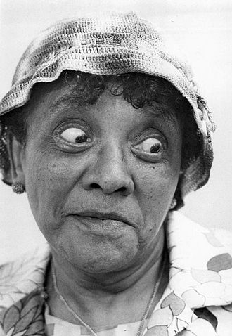 Moms Mabley - Appearance on The Smothers Brothers Comedy Hour in 1968