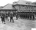 Jan van Schaffelaar kazerne Ermelo, bevordering sergeants tot vaandrigt, Bestanddeelnr 906-7425.jpg