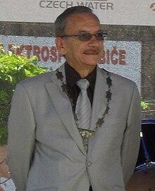http://upload.wikimedia.org/wikipedia/commons/thumb/3/38/Jaroslav_Kubera.jpg/220px-Jaroslav_Kubera.jpg