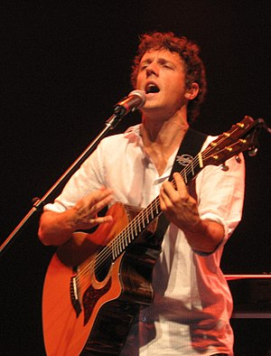 Jason Mraz - Jason Mraz performs at Foxwoods Resort Casino in Ledyard, Connecticut on May 17, 2006.