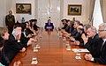 Jefa de Estado se reúne en audiencia con los integrantes de la comisión de pensiones, quienes le harán entrega de un informe (15379376953).jpg