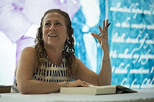 Jodi Picoult as the 2013 Harry Middleton Lecturer DIG13478-016.jpg