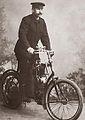 Josef Seidel na motocyklu.jpg