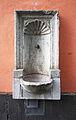 Köln, Wandbrunnen am Ende der Salzgasse.jpg