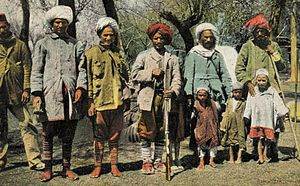 Kashmiri people early 1900.jpg