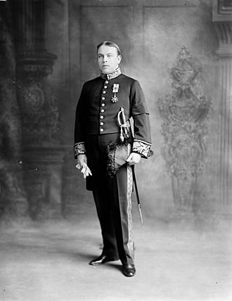 William Lyon Mackenzie King - Wearing court uniform as Minister of Labour in 1910