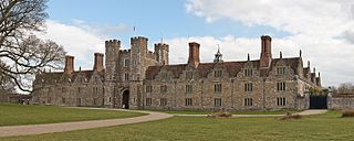 Knole House, Photo by DAVID ILIFF. License: CC-BY-SA 3.0