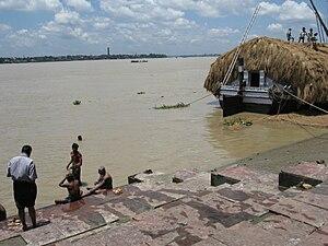 O Ganges em Calcutá.