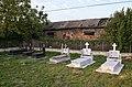 Koplik, graves near the mosque.jpg
