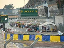Pit stop antes de las 24 horas de Le Mans 2006.