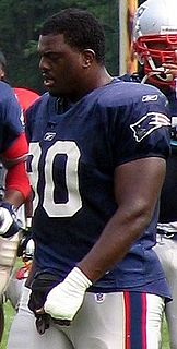 Le Kevin Smith American football defensive tackle