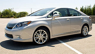 hybrid car produced by Toyota
