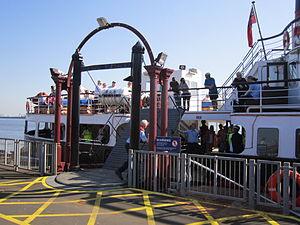 Lowering the gangway at Woodside ferry terminal.jpg