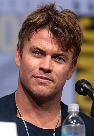Luke Hemsworth - Hemsworth at the 2017 San Diego Comic-Con International promoting Westworld