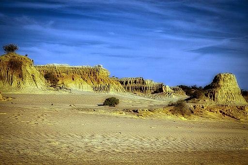 Lunettes at Mungo National Park