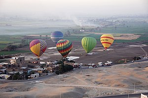 Luxor hot air balloon E.jpg