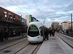 Lyon tram by Lyon-Part-Dieu in 2006.jpg