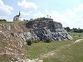Mészkőfal, Kálvária-szoborcsoport és a Kálvária kápolna. Műemlék ID 6432 és 6433- Tata, Kálvária-domb.JPG