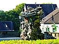 Mönchengladbach – Skulptur von Thomas Virnich vor dem Rathaus, Turm zu Babel, 2002 - panoramio.jpg