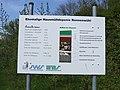 Müllberg Speyer - 1 - - Informationschild unter dem offiziellen Namen der Deponie - Hausmülldeponie Nonnenwühl.JPG