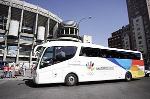 English: Bus supporting Madrid 2016's bid for ...