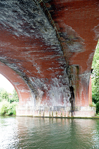 Maidenhead Railway Bridge - The echoing 'Sounding Arch' from the bank