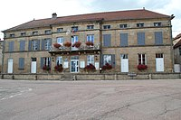 Mairie de Serqueux (Haute-Marne) en 2013.jpg