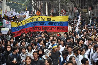 2011 Colombian student protests - Students marching on April 7, 2011 against the proposed education reform