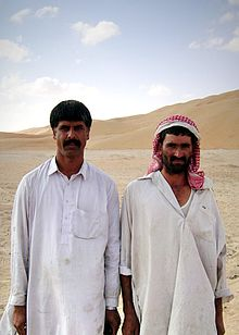 Description de l'image Men of the desert, near Tadmor, Syria.jpg.