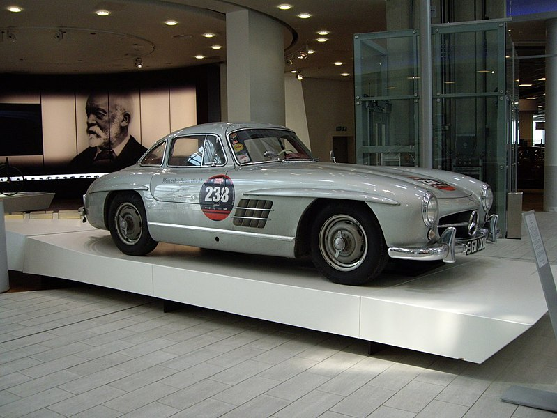 File:Mercedes Benz 300SL Gullwing.jpg
