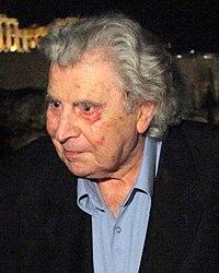 Mikis Theodorakis 2010.jpg