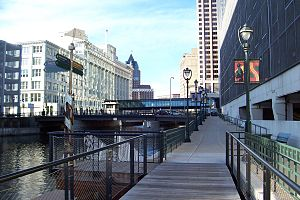Milwaukee Riverwalk - Milwaukee Riverwalk