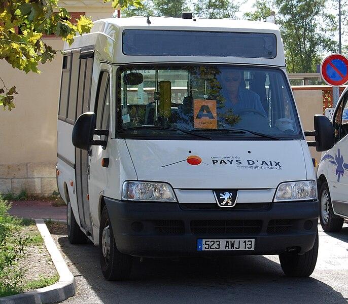 File:Minibus Pertuis by Bserin.JPG