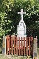 Mirošov, kříž na návsi (2019-09-22; 01).jpg
