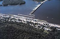Mississippi River Lock and Dam number 4.jpg
