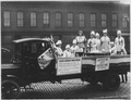 "Missouri women demonstrate ""war bread"" on city streets. St. Louis (^) - NARA - 283507.tif"