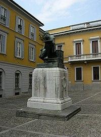 Monumento a mosè bianchi, monza.JPG