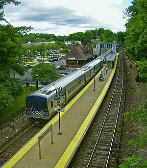 Mount Kisco (Metro-North station) - The old and new Mount Kisco stations as seen south from the NY 133 overpass.