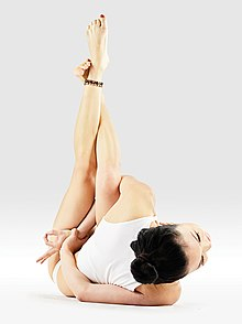 220px Mr yoga reclined bound ashtavakra pose yoga asanas Liste des exercices et position à pratiquer