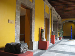 Museo de la Secretaría de Hacienda y Crédito Público - Portion of museum dedicated to the site of the building, displaying pre-Hispanic artifacts found here.