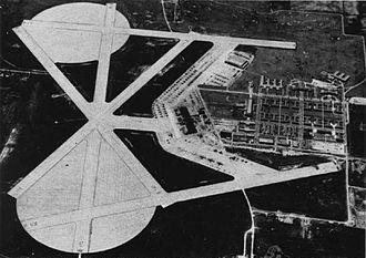 Naval Air Station Glenview - Aerial view of NAS Glenview in the late 1940s