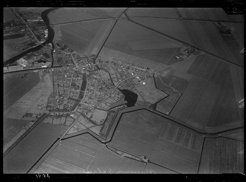 File:NIMH - 2011 - 1033 - Aerial photograph of Nieuwe Schans, The Netherlands - 1920 - 1940.jpg