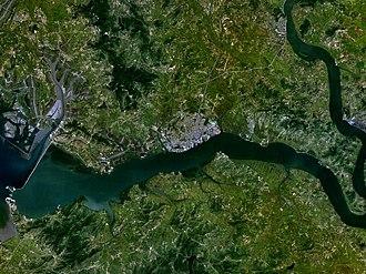 Nampo Dam - Image: Namp'o 125.39169E 38.73185N