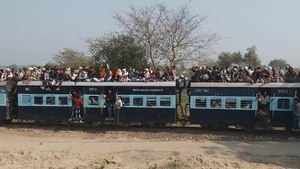 File:Narrow gauge railway line Gwalior to Sheopur.webm