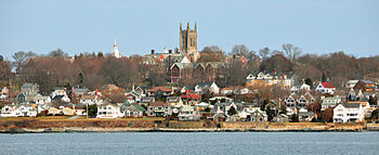English: Newport Rhode Island Cliff Walk panor...
